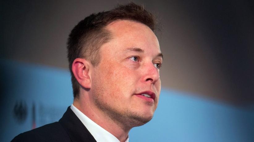 It looks like Elon has attached ear lobes.